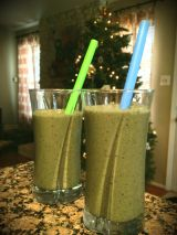 Lunch {Vanilla Peach Green Smoothie}