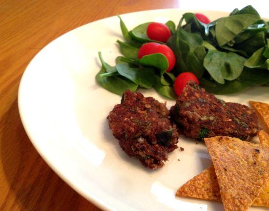 Black bean quinoa 'burgers'